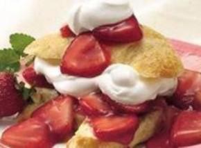 Chef Luca Manfe's Strawberry Shortcake with Bauli Mini Chocolate Croissants & WhippedCream
